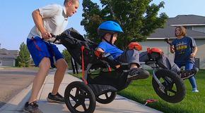 Американец постави рекорд на Гинес за бягане с детска спортна количка