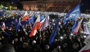 Над 100 хиляди души демонстрираха в Полша в подкрепа на членството на страната в ЕС