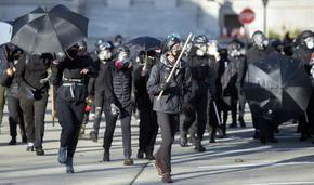 Поддръжници на Тръмп протестираха в САЩ, стигна се до насилие