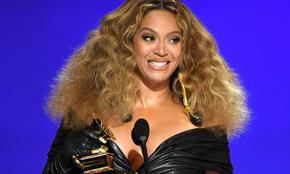 """Бионсе с три стратуетки на наградите """"Грами"""" в Лос Анджелис"""