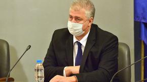 """Коронавирусът в България: на предела сме, трябват нови мерки, смята директорът на """"Пирогов"""""""