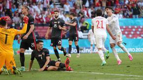 Зрелище, обрати и драма с осем гола пратиха Испания напред на Евро 2020