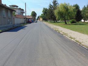Асфалтираха улици в 4 села на общината, ремонтните дейности продължават