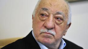 """Турция отново издирва стотици военни и полицаи за """"връзки с Гюлен"""""""