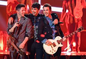 Jonas Brothers отрекоха да се разделят