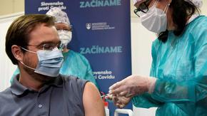 Спор за руската ваксина свали здравния министър на Словакия