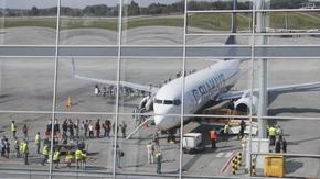 """""""Райънер"""" планира да възстанови почти половината си полети"""