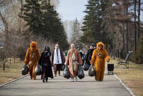 Снимка на деня: Дарт Вейдър почисти улиците на Иркутск