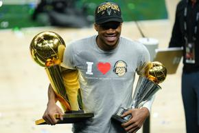 """""""Милуоки Бъкс"""" с първа титла на НБА от половин век"""