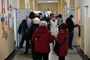 """При над 70% протоколи - лек спад на """"Има такъв народ"""" и """"Демократична България"""""""