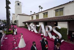 """Наградите Оскар: Триумф за """"Земя на номади"""", Мария Бакалова не спечели приза за поддържаща роля"""