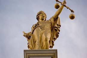 Съд по време на пандемия: спиране на заседания за 14 дни и отлагане при карантина