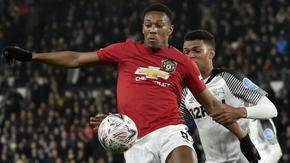 """Дълговете на """"Юнайтед"""" са се увеличили драстично за няколко месеца"""