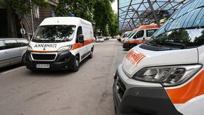 На фона на обвинения в лобизъм депутатите приеха всички линейки да влязат в регистър