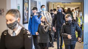 По-добре децата да са в клас: как Европа се връща на училище в условия на COVID-19