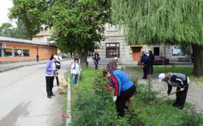 ГЕРБ-Нови пазар организира кампания за почистване на градинките в града