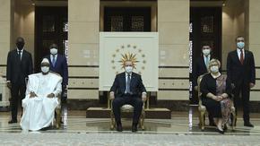 С по 300 стаи и за стотици милиони - палатите на Ердоган