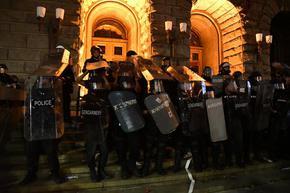 """""""Галъп"""": Протестът от 2 септември е донесъл щети за ГЕРБ, изравни се с БСП"""