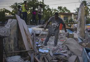 Извънредно положение, над 300 загинали, а Хаити продължава да се тресе