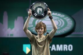 Рубльов вдигна осмата си титла с поредна победа №20
