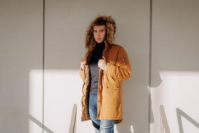 Кои са връхните дрехи, които всеки мъж трябва да притежава през зимата?