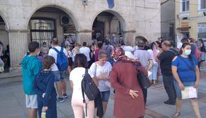 Близо 300 души на ден сменят лични документи в Шуменско