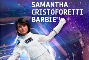 Кукла Барби, приличаща на астронавтката Саманта Кристофорети, лети в безтегловност