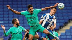 """С магия от Бензема и победа в Барселона """"Реал"""" натрупа преднина в Испания"""
