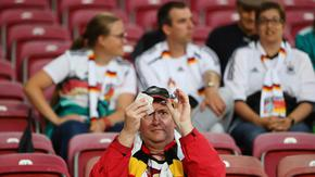 УЕФА разреши гостуващи привърженици да присъстват на мачове в Европа