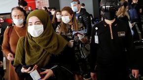 Ръст на заразените с COVID-19 разтревожи Турция, рекорд на случаите в Северна Македония
