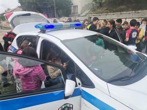 Пътни полицаи посетиха ученици във връзка с деня по безопасност на движението