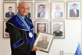 """Ген. Мутафчийски стана """"Доктор хонорис кауза"""" на военноморското училище"""
