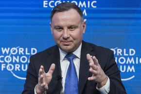На президентските избори в Полша - гласуване в изборни секции, но и по пощата