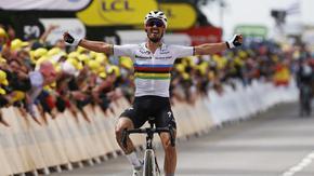 Тур дьо Франс започна с победа на световния шампион