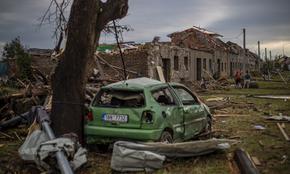 Петима са загинали, 2000 къщи са унищожени от торнадото в Чехия