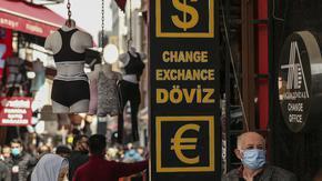 Лирата удари ново дъно след нови рокади на Ердоган в централната банка