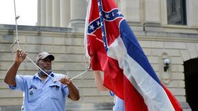 Щатът Мисисипи премахна символа на Конфедерацията от флага си
