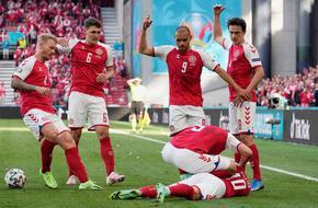Кошмар на терена на Евро 2020: Кристиан Ериксен припадна, борят се за живота му