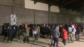 Стотици полицаи прекратиха във Франция голямо незаконно парти, започнало в четвъртък