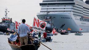 Италия забрани на круизни кораби а влизат в лагуната на Венеция