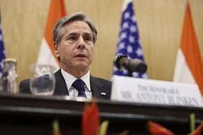 Блинкън плаши талибаните с изолация, ако вземат властта със сила