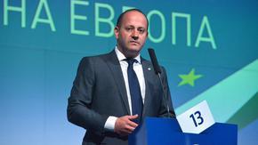 В България истинските олигарси са политиците, смята Радан Кънев