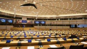 ОЛАФ хвана евродепутати в нарушение да превеждат част от заплатите на партиите си