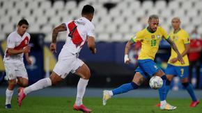 Вечните съперници Бразилия и Аржентина протягат ръка към титлата на Копа Америка