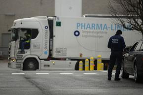Разък завой: ЕК се отказа да блокира доставките на ваксини за Великобритания