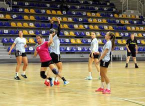"""""""Шумен 98"""" загуби с два гола разлика от """"Сливница"""" в мач от А хандбалната група при жените"""