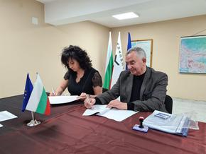 """ВиК-Шумен подписа договорите за реконструкция на довеждащия водопровод от яз. """"Тича"""""""