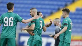 Мач от Първа лига е под въпрос след положителни проби за COVID-19