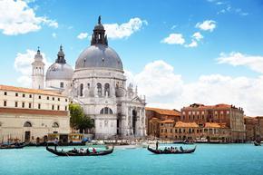 От идното лято еднодневните туристи ще влизат във Венеция с резервация и такса