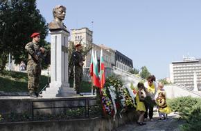 Шумен отбеляза 184 г. от рождението на Левски и 143 г. от предаването на ключа на града на руските войски